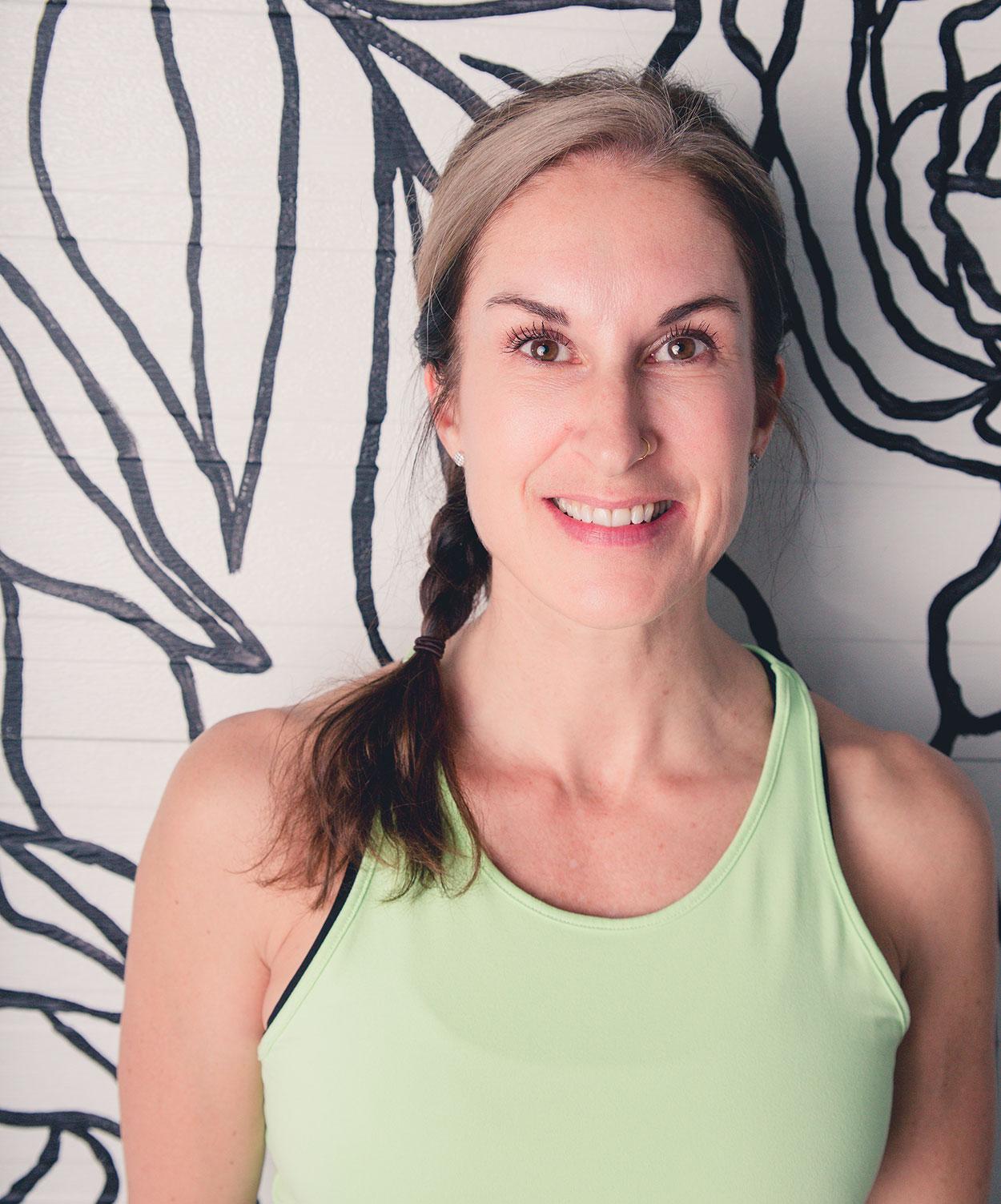 img.nicole-paradis-edmonton-fitness-trainer
